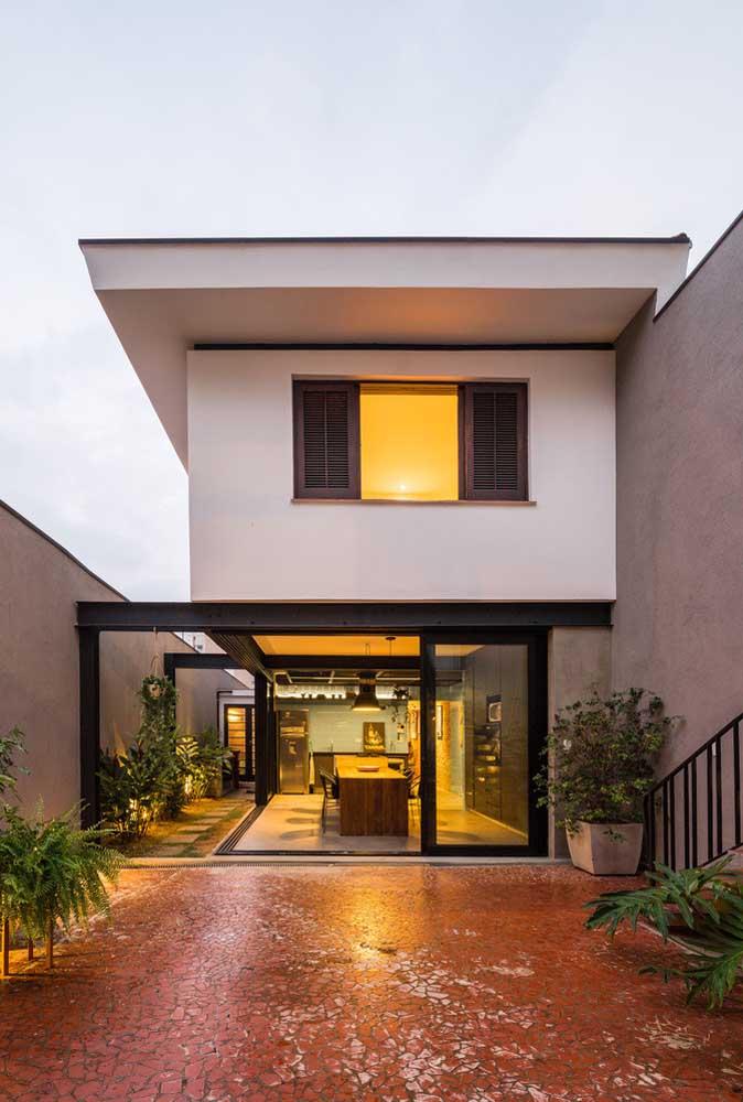 Vidro para trazer modernidade e amplitude à fachada da casa