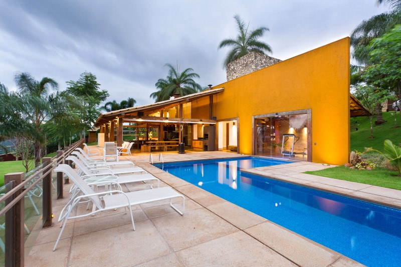 Casa de campo 100 modelos com fotos e projetos for Modelos de casas de campo con piscina