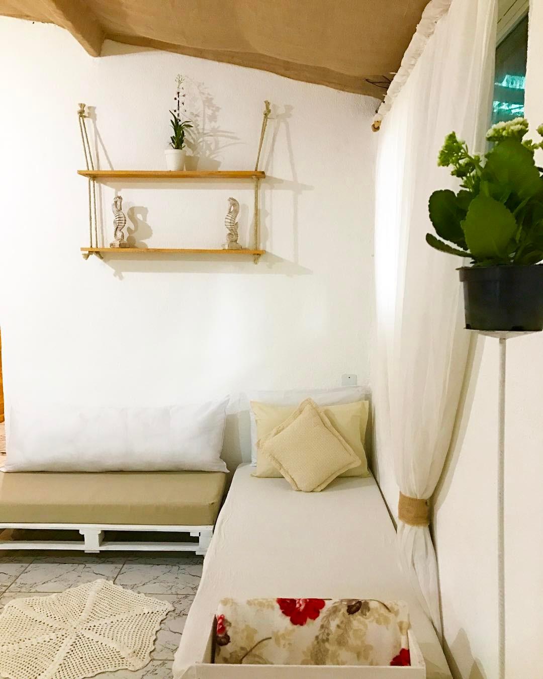 Modelo para sala com decoração simples