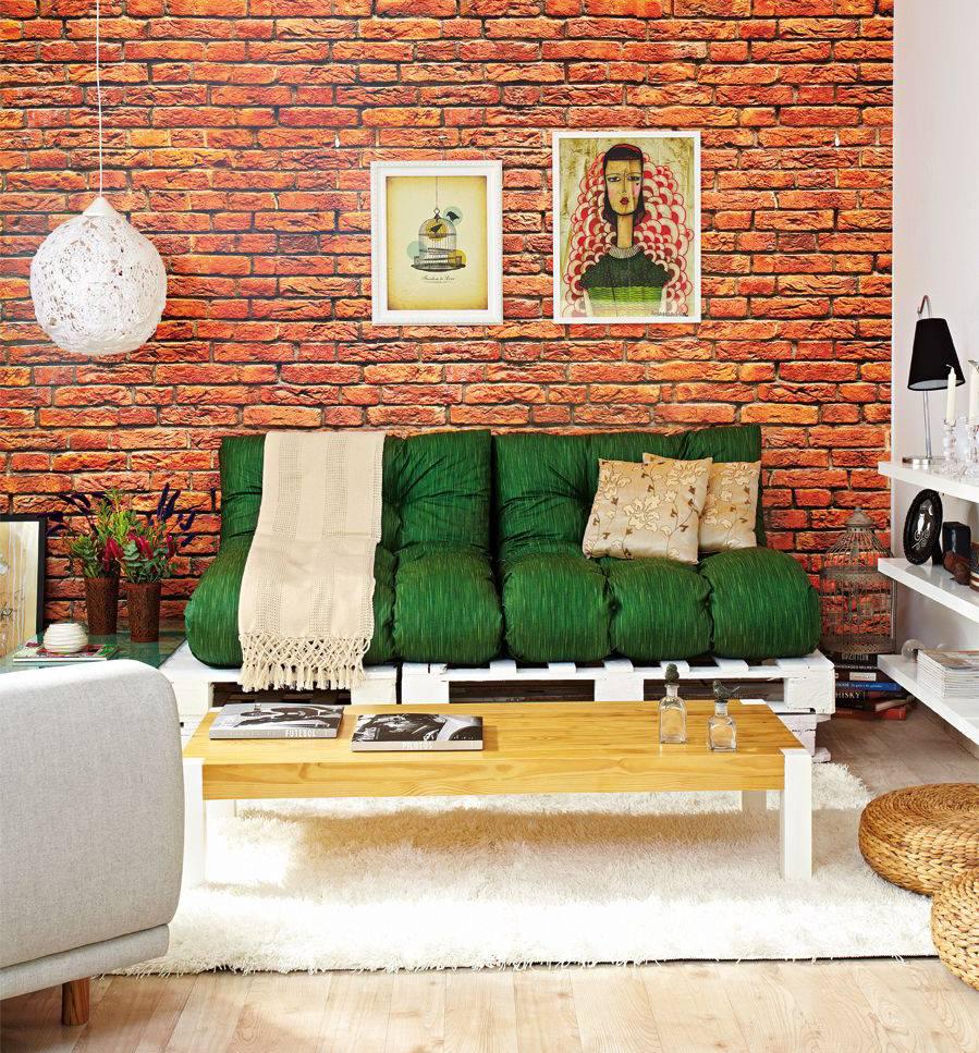 sofá de pallet branco com almofadas verdes