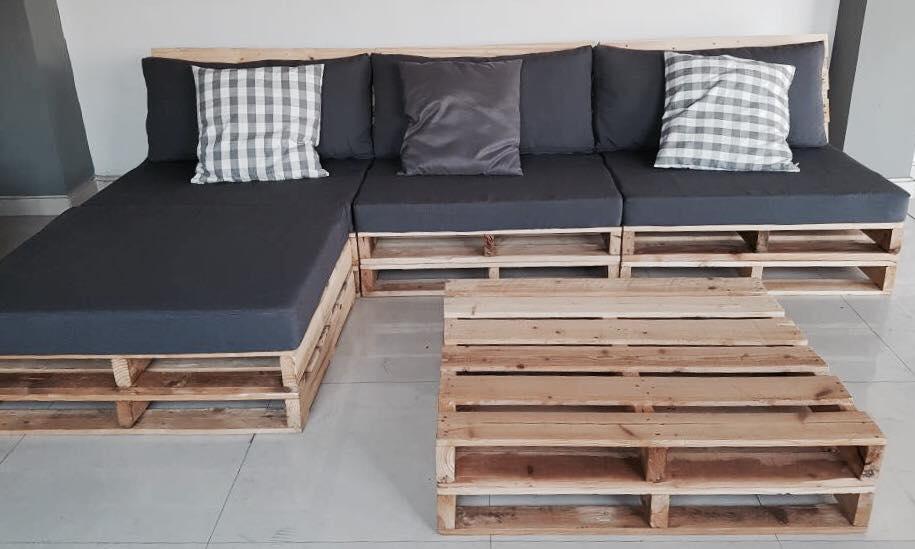 Um sofá de pallet pode até ter um belo chaise