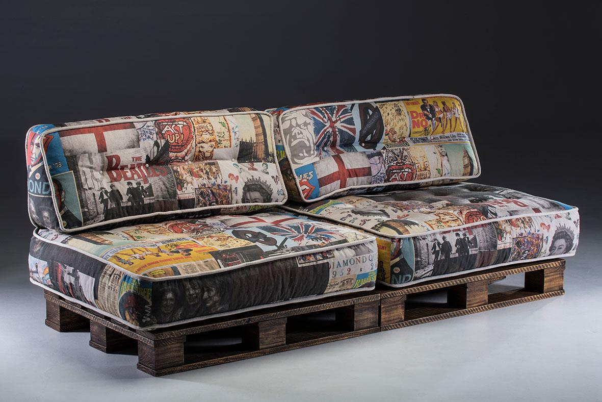 Uma bela composição com almofadas estampadas