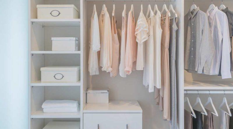 Como organizar o guarda-roupa e manter tudo no seu devido lugar