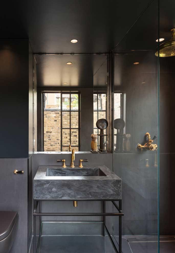 Sensação de espaço em banheiros pequenos
