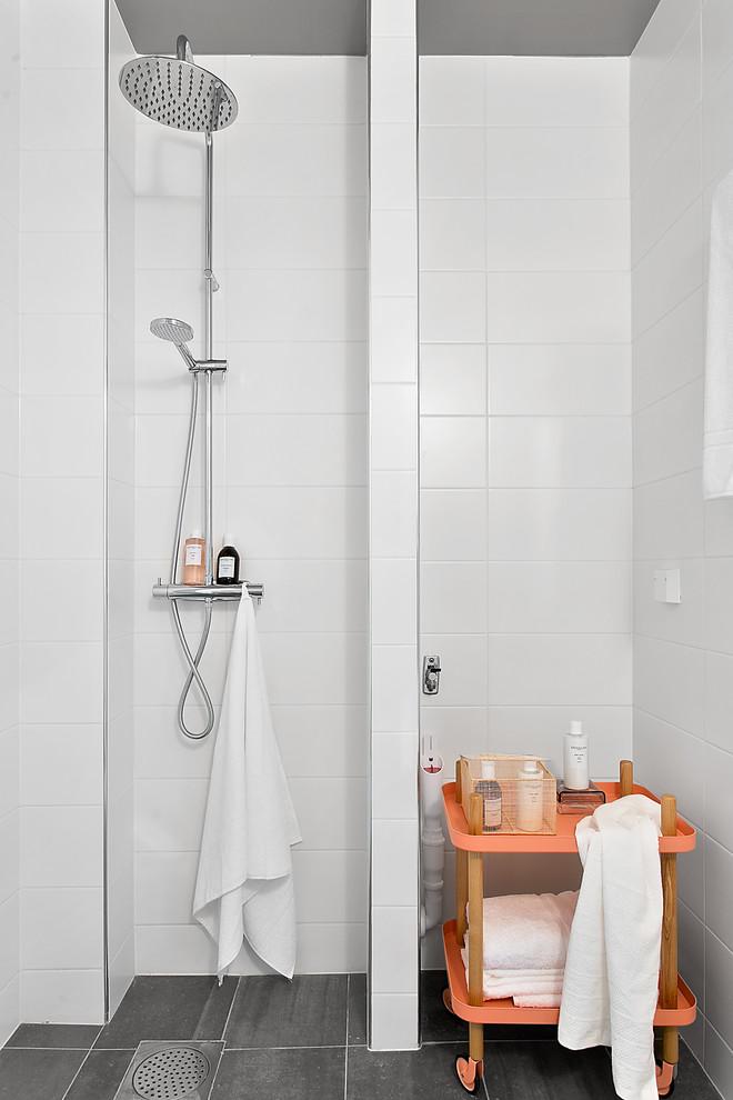 Mobilidade no banheiro pequeno