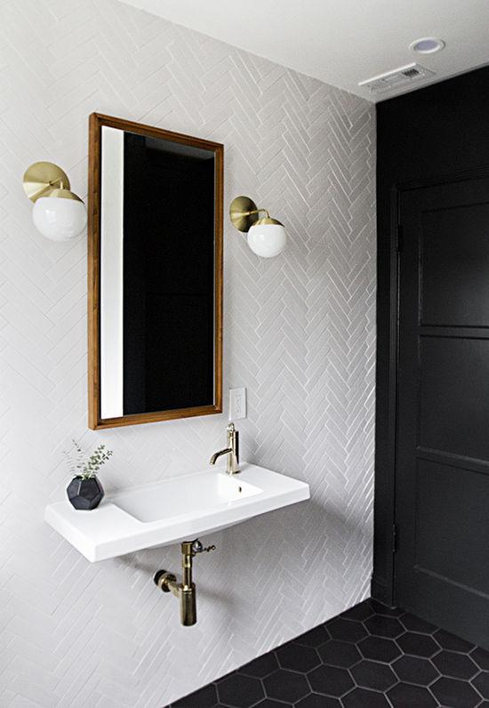 banheiro pequeno super geometrizado