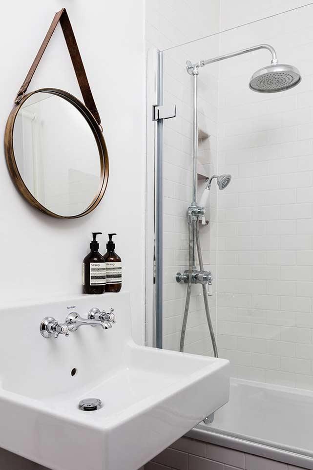 Estilo minimalista para banheiros pequenos