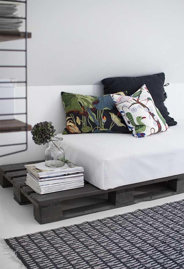 Sofá cama com espaço