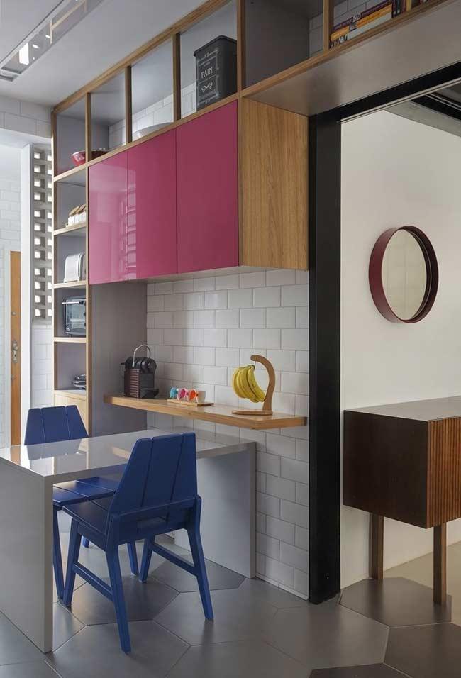 Cozinha planejada: mesa para dois
