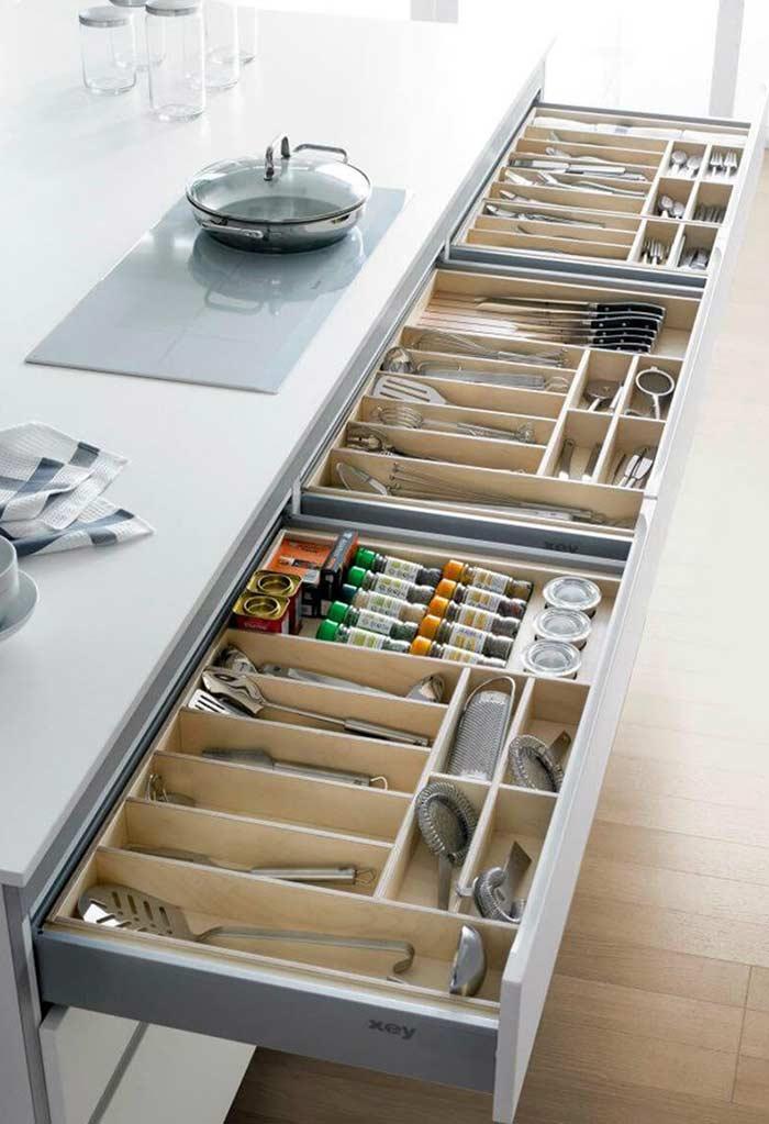 Organização de gavetas para cozinha planejada