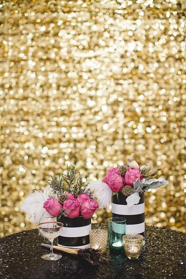 Decoração de mesa de ano novo com flores naturais