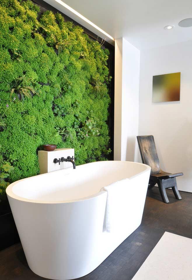 Banho mais relaxante em contato com a natureza