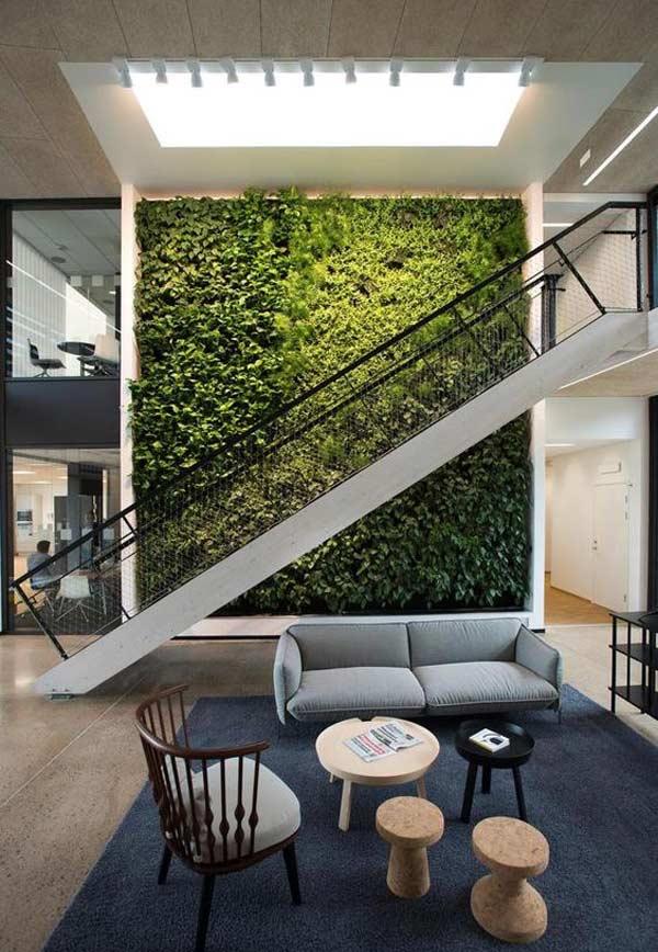 Parede verde em espaços comuns