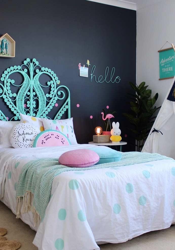 quarto de menina com parede lousa