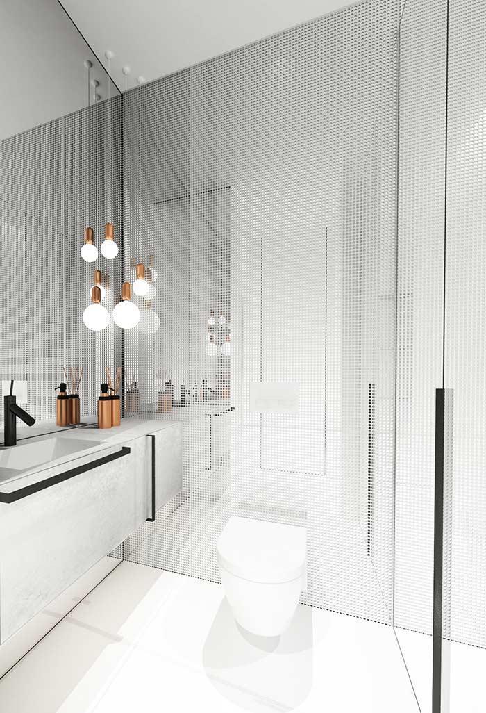 Iluminação no banheiro preto e branco