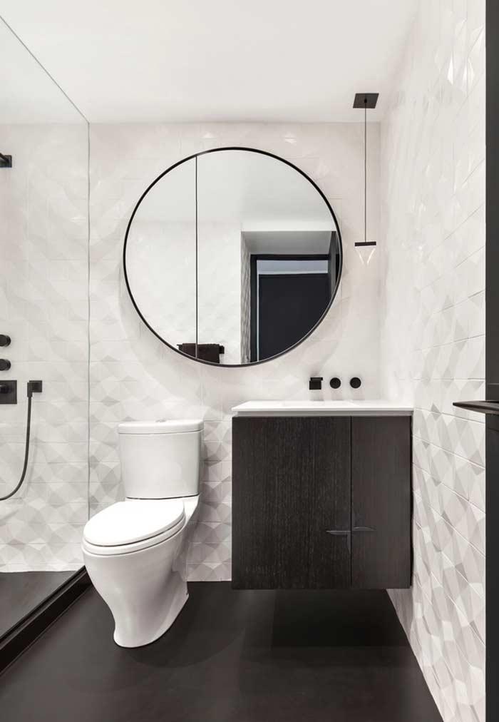 Formas geométricas, texturas e muitos espelhos
