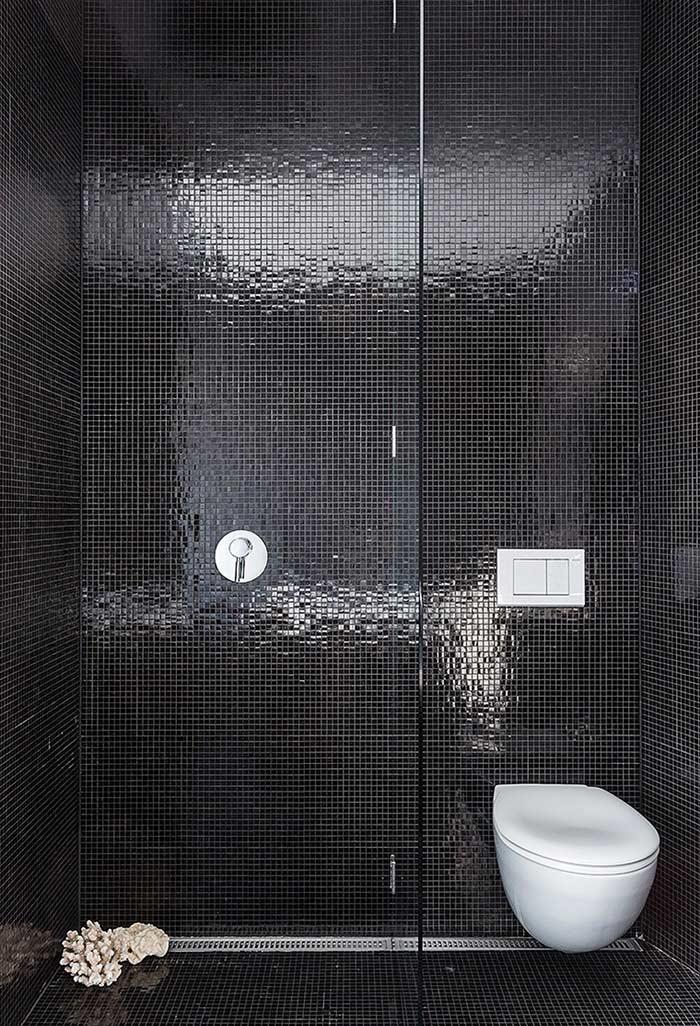 Decoração para banheiro preto e branco pequeno