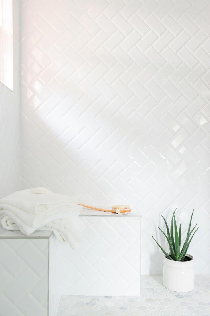 Efeito visual no banheiro branco
