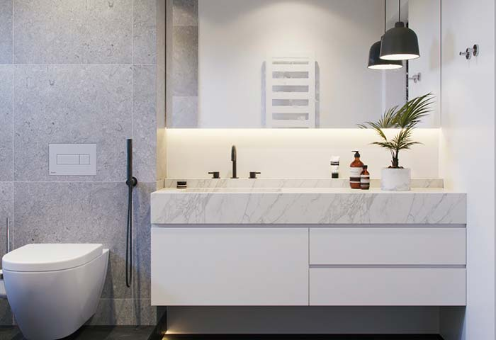 Banheiro branco de classe