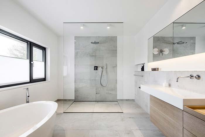Banheiro branco clean e jovem