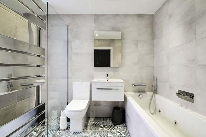 Banheiro com banheira clean