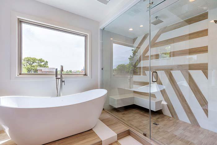 Banheiro com banheira oval
