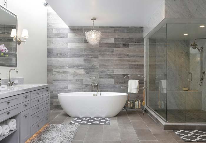 Banheira branca para quebrar o cinza