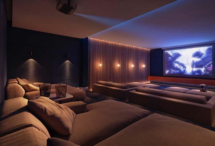 Cinema em casa com chaise longue
