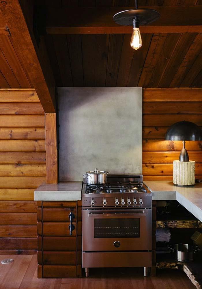 Madeira no piso da cozinha rústica