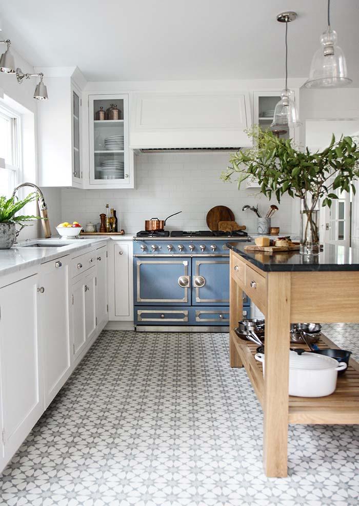 Cozinha rústica branca