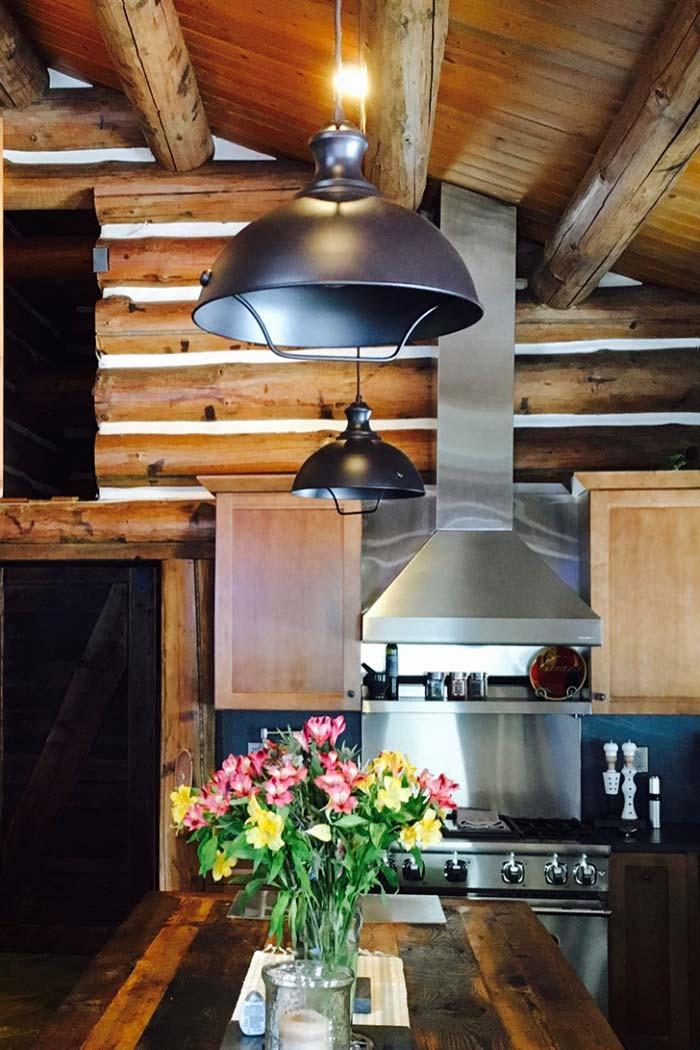 Rústico metalizado na cozinha