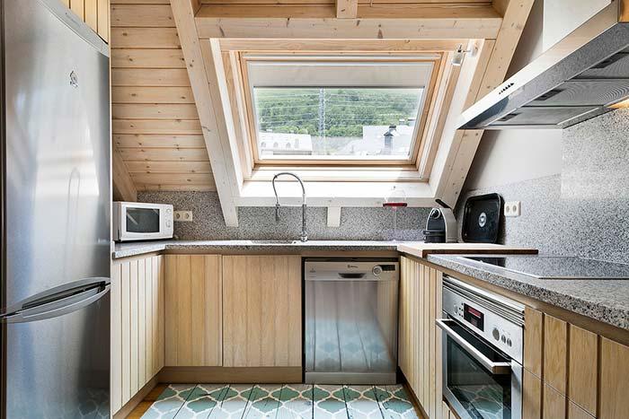 Um toque de design com o teto baixo