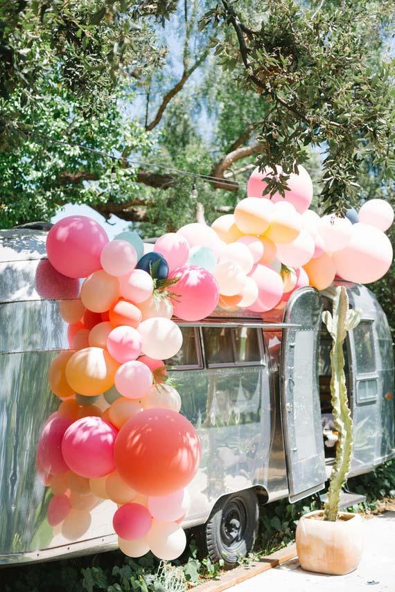 Arco de balões descontraído