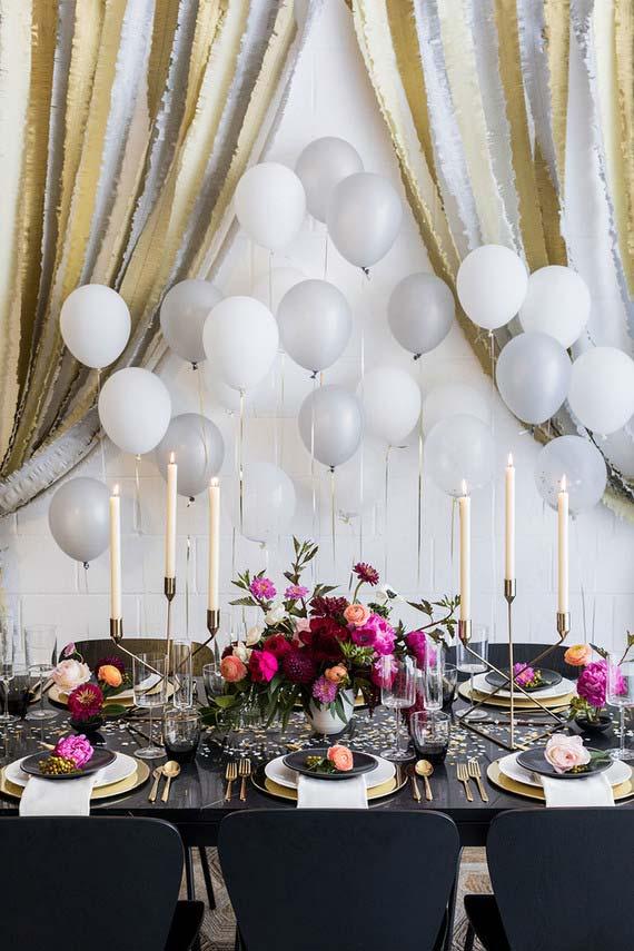 Decoração com balões cinza e branco