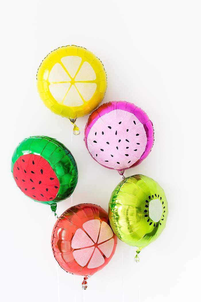 Balões de frutas para um festa tropical