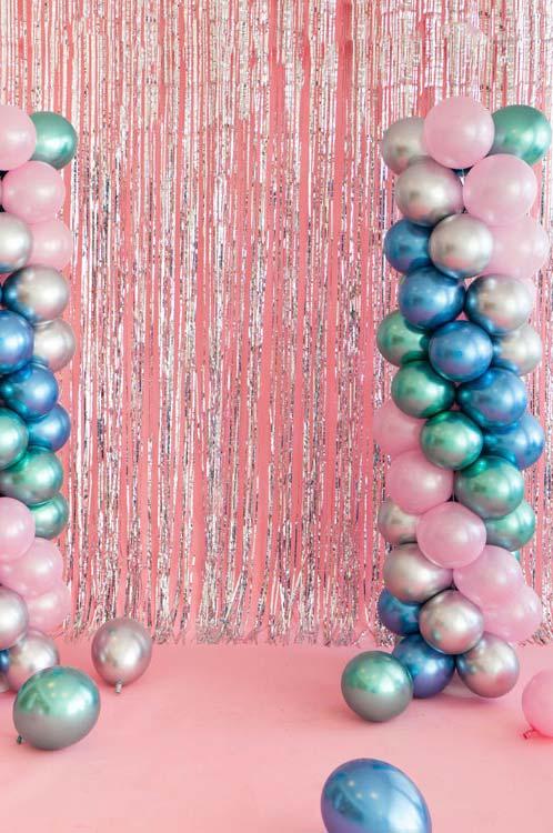 Coluna de balões metálicos