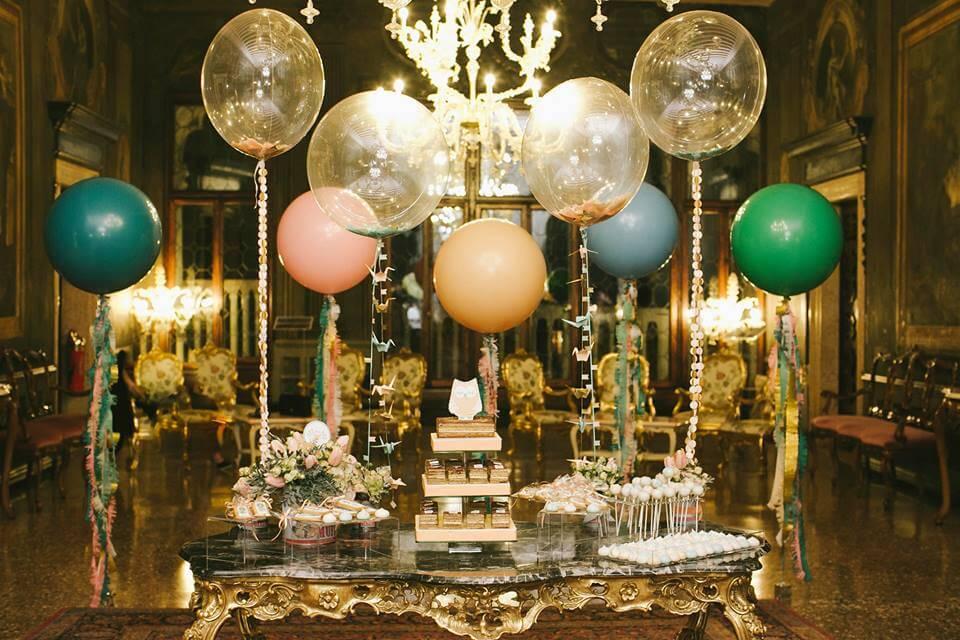 Alguns balões para uma festa sofisticada