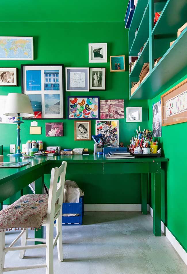 Escrivaninha em L em verde bandeira