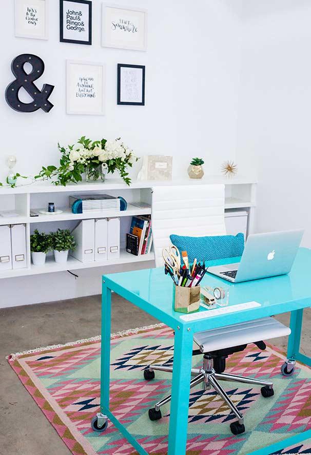 Escrivaninha de ferro super colorida