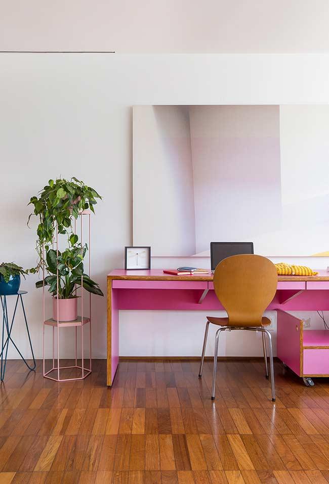 Escrivaninha planejada rosa