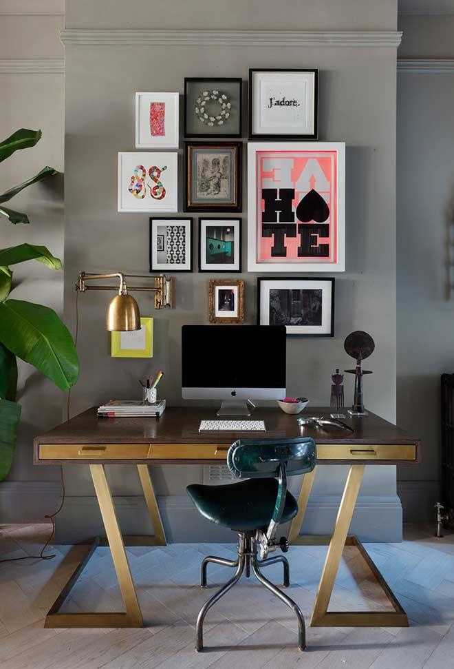 Escrivaninha com gavetas e linha horizontal