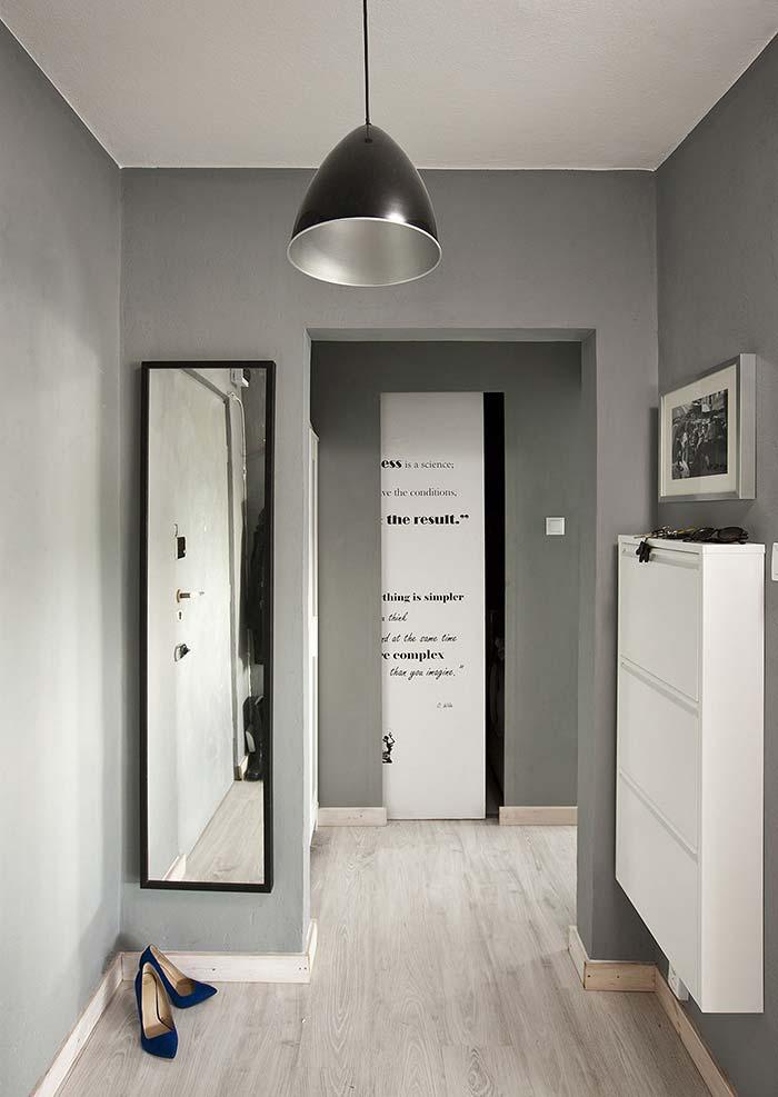 Hall de entrada com cores neutras