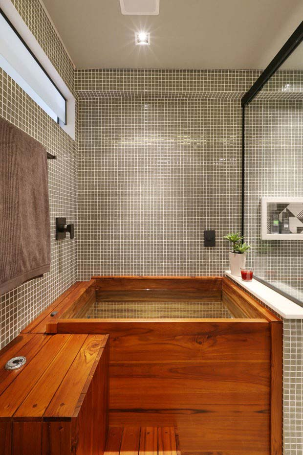 Box de vidro para separar área da banheira
