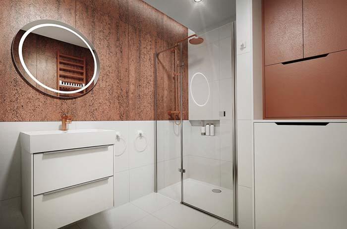 Frisos de metal combinando com os demais acessórios do banheiro
