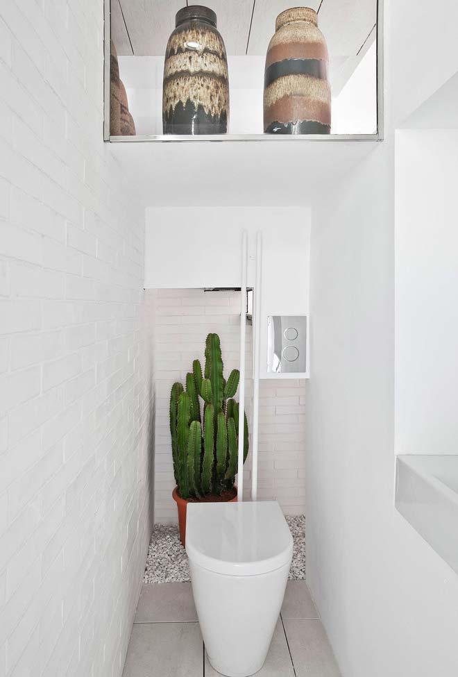 Outra ideia para decorar o banheiro com cactos