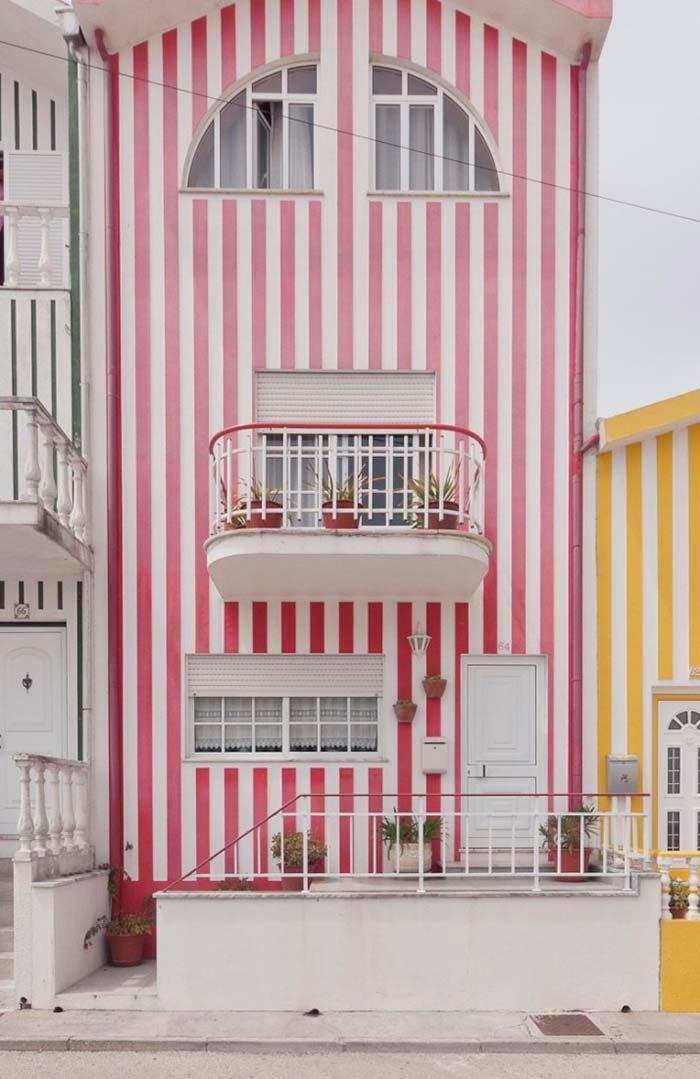 Para quem não tem medo de ser feliz: uma casa listrada