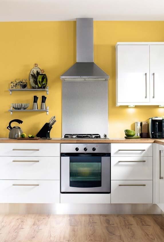 Cozinha amarela simples