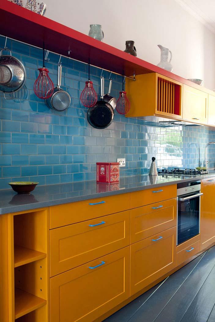 Outra cozinha amarela e azul