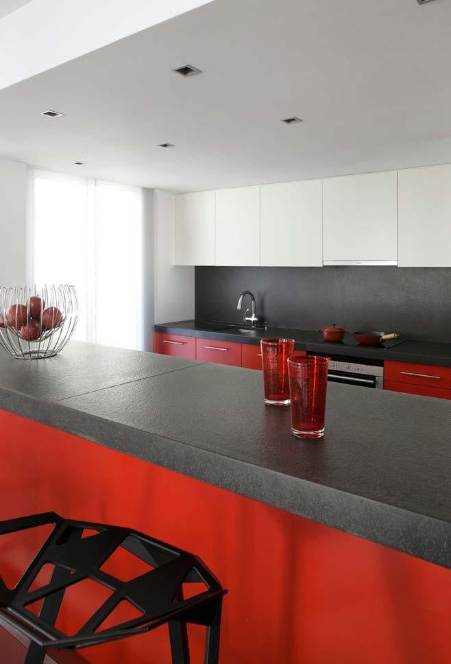 Cozinha vermelha, preto e branca
