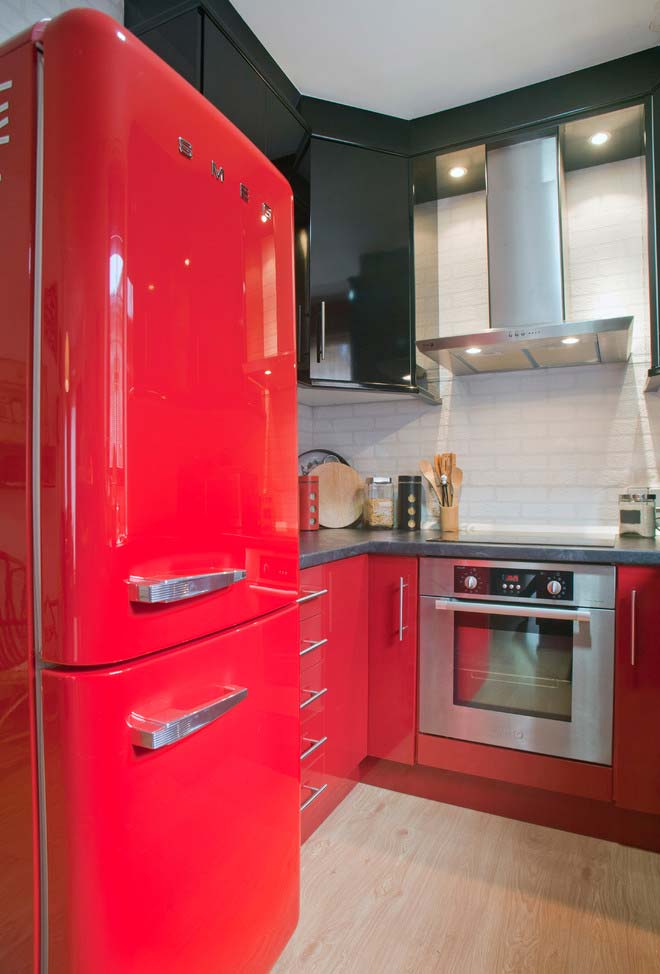 vermelho nos armários da cozinha